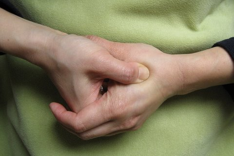 Acupressure Points for Nausea Relief: Causes, Symptoms and ...
